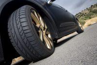 Kelebihan dan Kekurangan Ban Tapak Lebar di Mobil